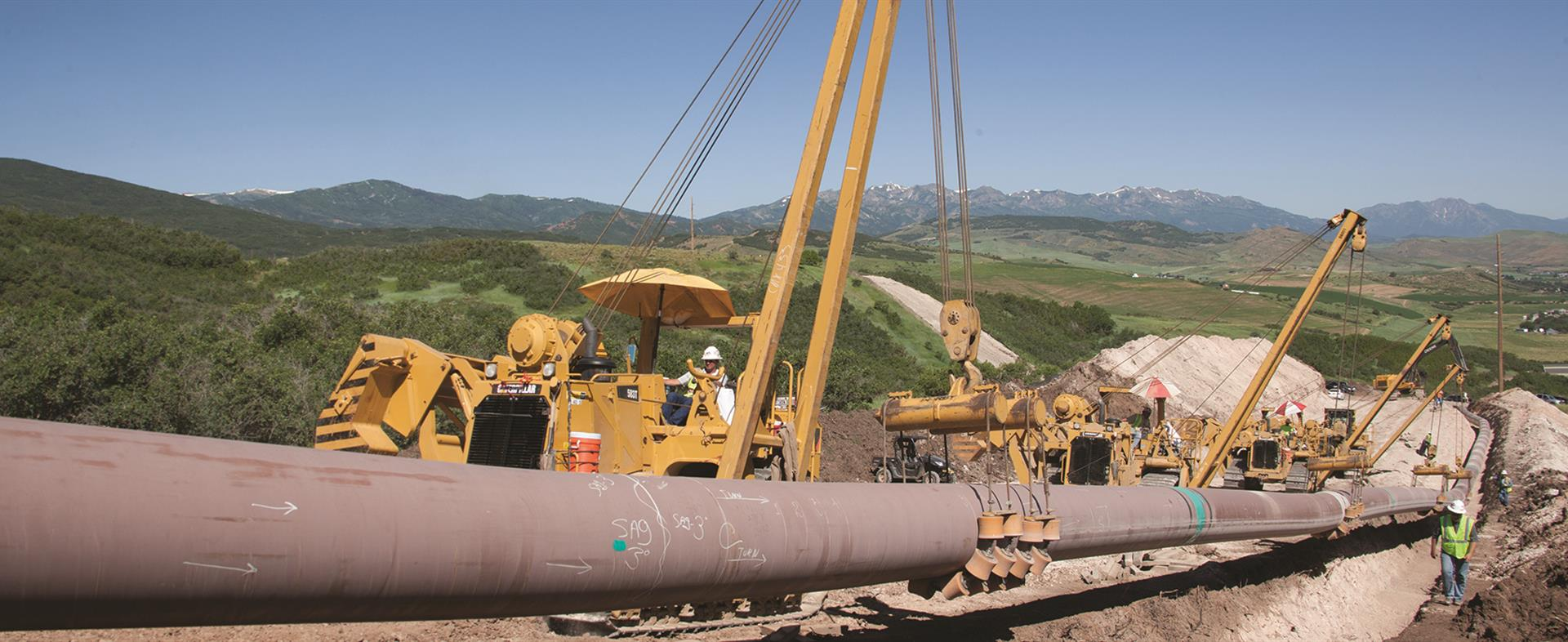 Purpose-built parts for pipelayers and pipeline construction equipment